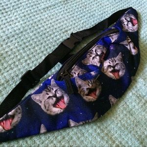 Space Kitty festival fanny pack! 🆕💕😻💫